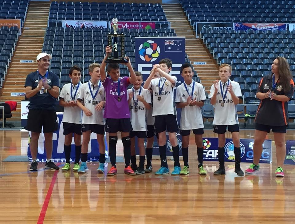 12 boys Champions